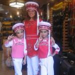 V oblačilih etnične skupine Bai