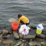 Pranje perila v jezeru Erhai