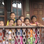 Deklice v sirotišnici