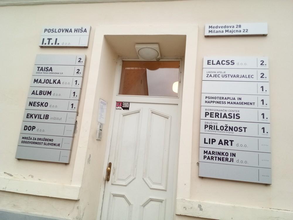 Vhod v poslovno hišo I.T.I.